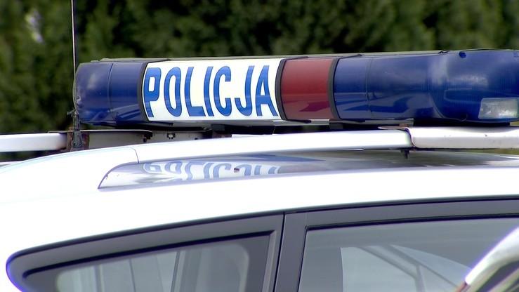 Nie żyje policjant, który jechał na szkolenie w Krakowie. Ciało znaleziono w samochodzie