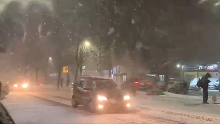 W Brazylii spadł śnieg. Niektórzy dorośli mieszkańcy zobaczyli go po raz pierwszy w życiu