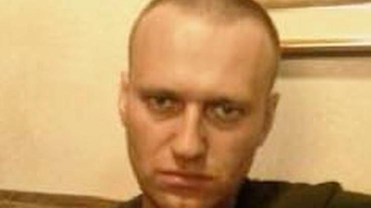 """Nawalny przerwał milczenie. """"Obóz koncentracyjny 100 km od Moskwy"""""""