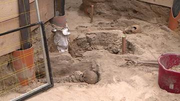 Szczątki 4 tys. osób, monety, biżuteria. Odkrycie poznańskich archeologów
