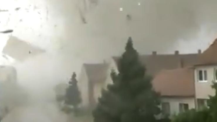 Tornado w Czechach. Niszczycielska siła żywiołu [WIDEO]