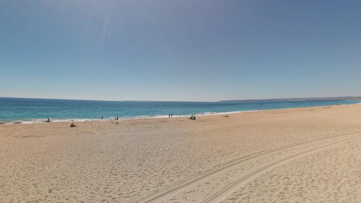 Kobiety wypadły z kajaka u wybrzeża Portugalii. Na ratunek ruszył prezydent [WIDEO]